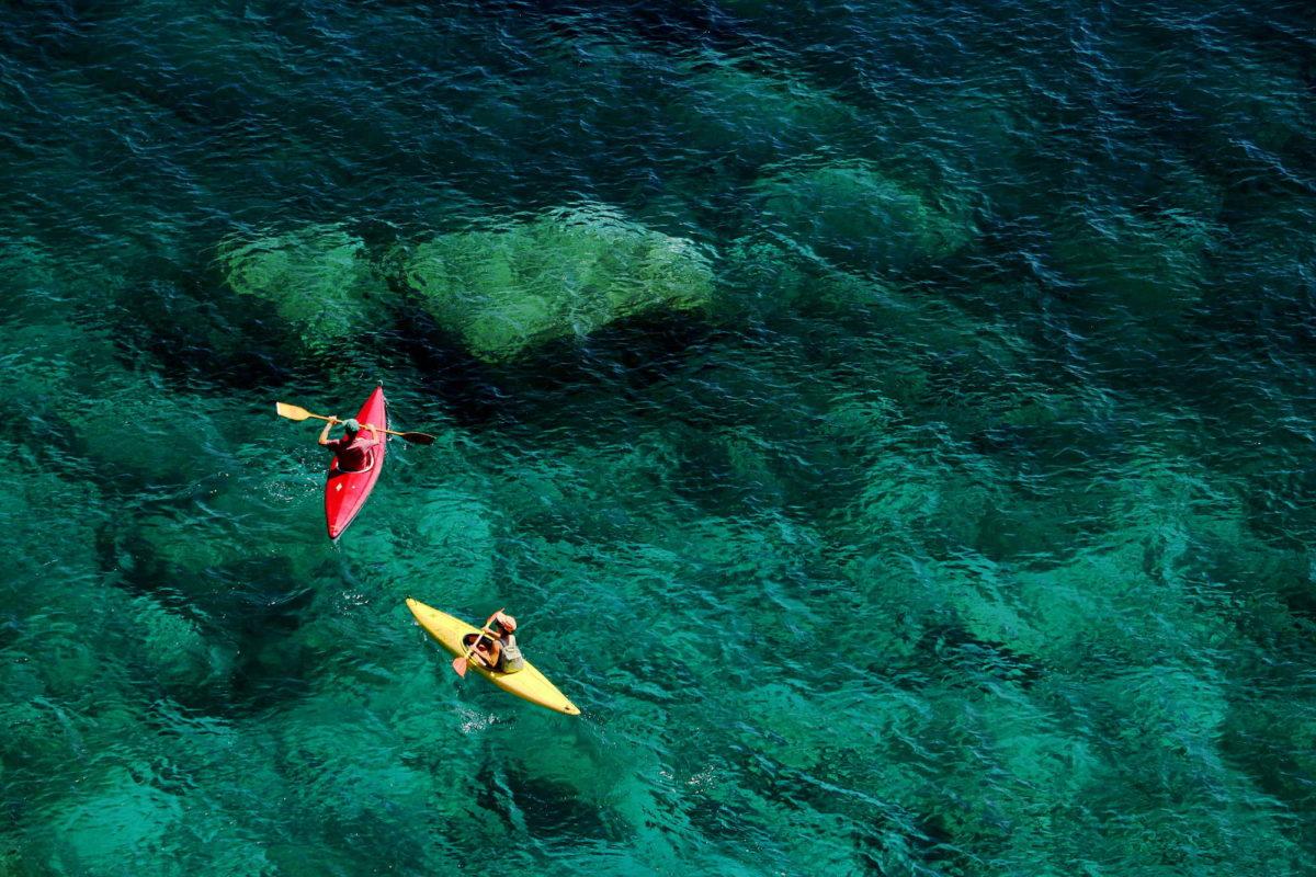 Canoe nel mare delle Cinqueterre