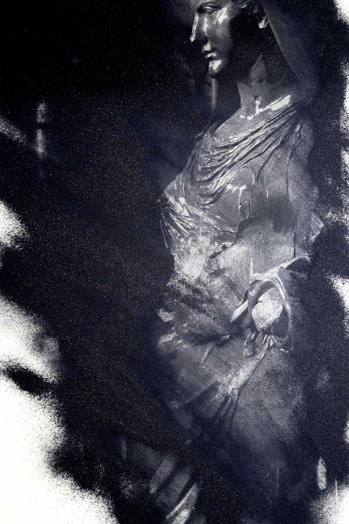 "Performance fotografia d'arte romana. ""Art in black"""